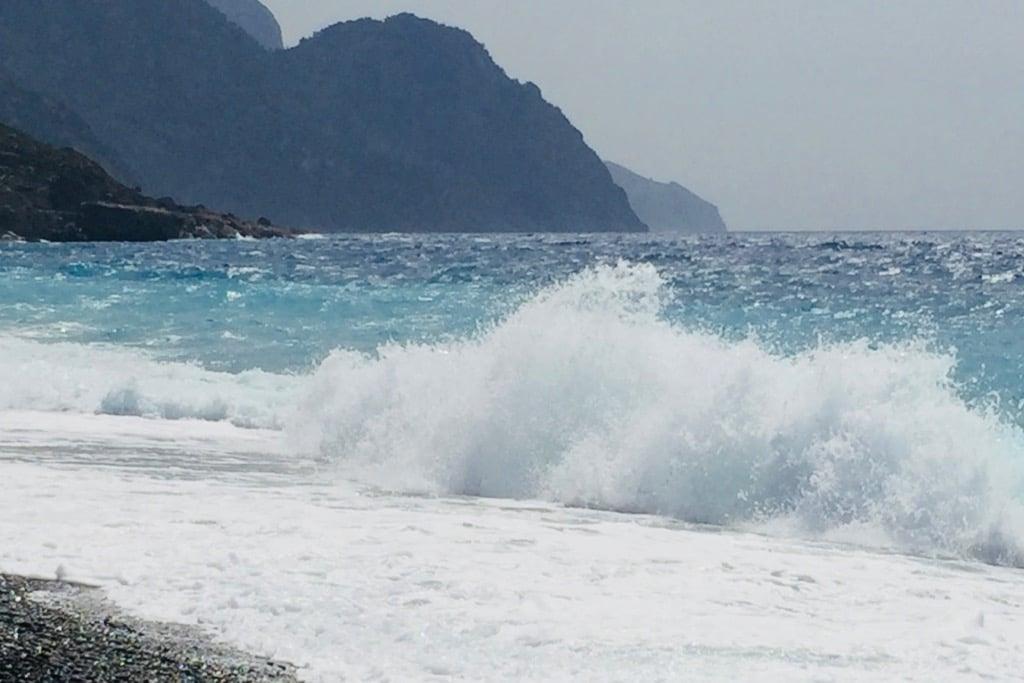 Meditation til bølger ved det Libyske hav
